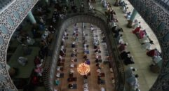 বায়তুল মোকাররম মসজিদে ঈদের প্রধান জামাতে করোনামুক্তির প্রার্থনা